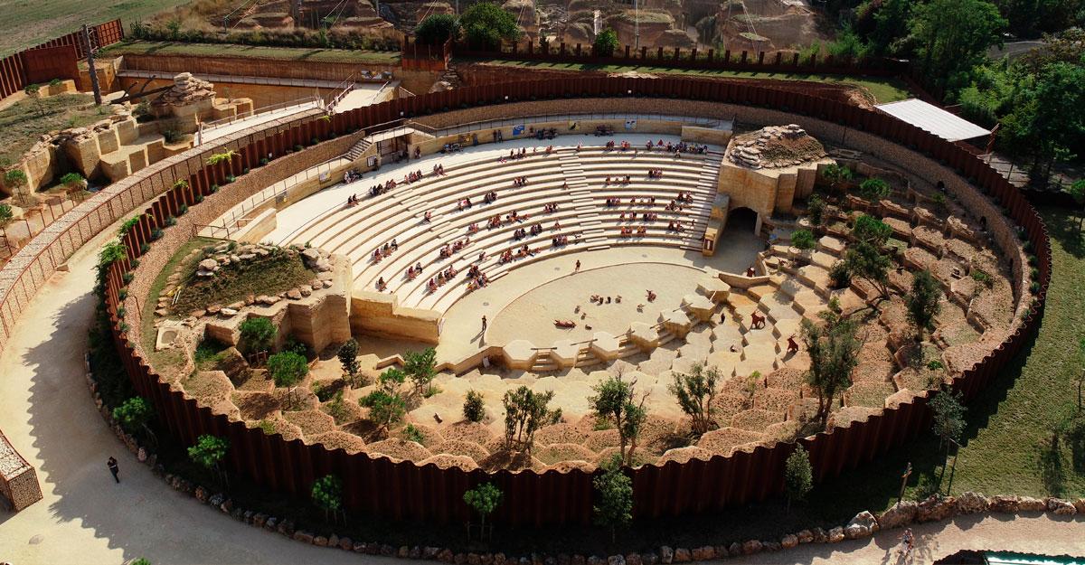bioparc-parc-zoologique-amphitheatre-vautours